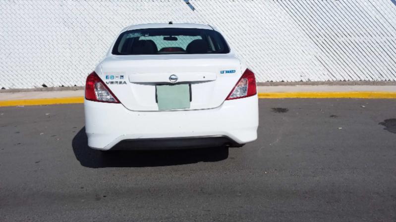 Nissan Versa Sense AT 2018 full
